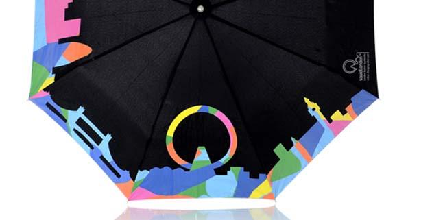 Umbrellas Change Color When Wet