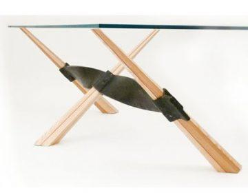 Carmela | design table
