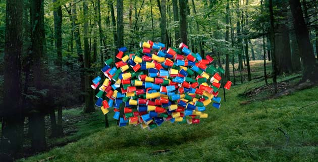 Flying Swarms of Everyday Objects   Thomas Jackson