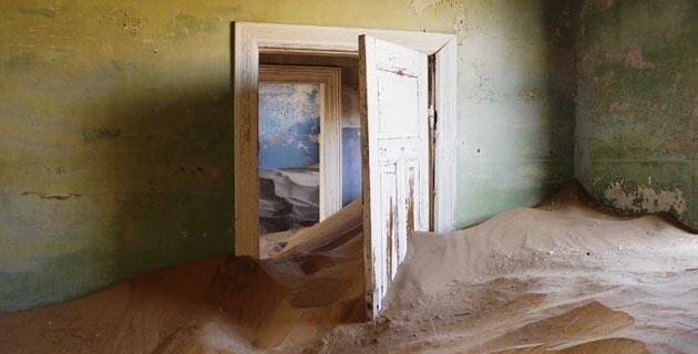 Sand takes over Kolmanskop