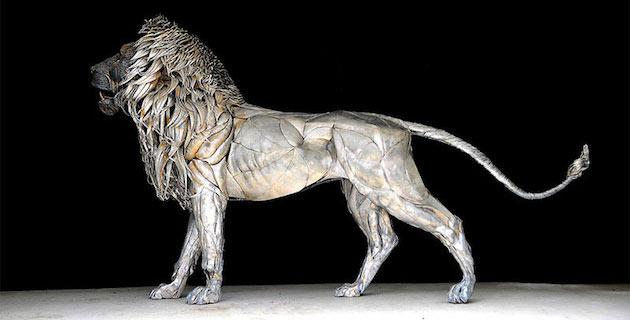 Aslan | Lion Sculpture made with 4000 Pieces of Metal