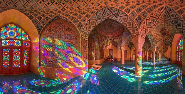The Nasir al-mulk Mosque Colors