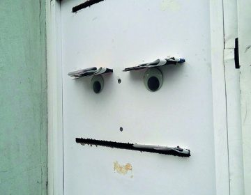 Eyebombing: the art of bring to life broken objects
