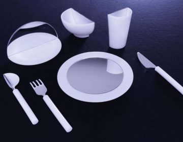 Mirrored tableware tricks brain to change eating habits