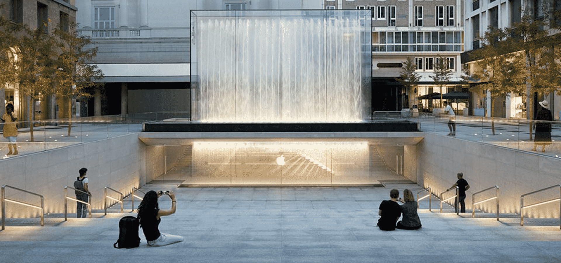 Foster + Partners Presents New Apple Store in Milan