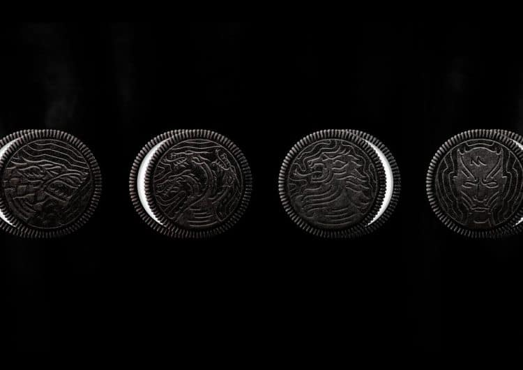 Game of Thrones intro reenacted with 2,750 Oreo