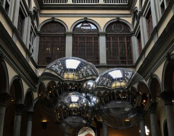 Art, social life and science at Palazzo Strozzi with Tomàs Saraceno